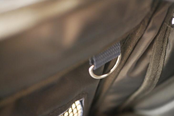 バッグの内側にあるDカン画像