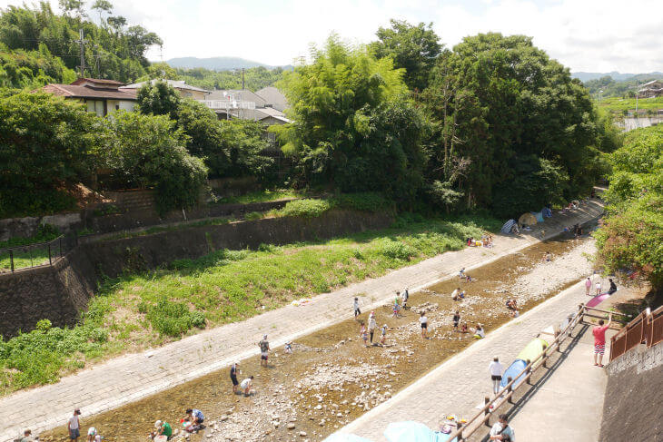石川の河川敷画像
